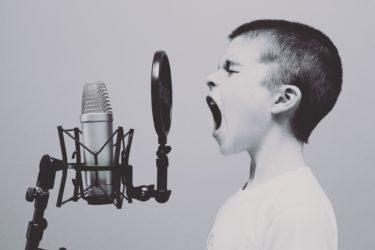 『監察医朝顔』主題歌担当の折坂悠太が歌に込めたメッセージって?