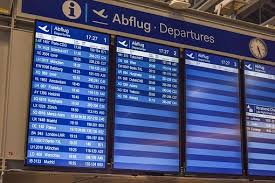 スピルバーグ監督作品「ターミナル」って実話?空港で暮す男の目的は